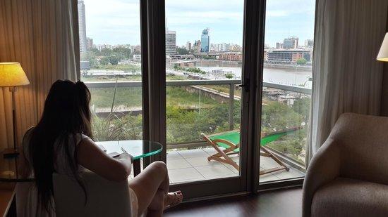 Hotel Madero: Habitacion con balcon al rio