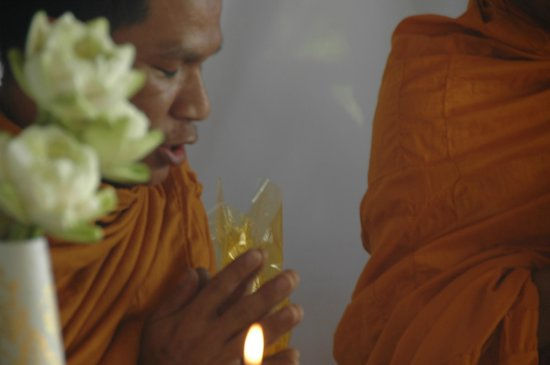 View Point Resort: Monks from ceremony