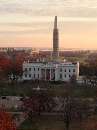 The Hay-Adams: 会議室からの眺め。ホワイトハウスが見える。