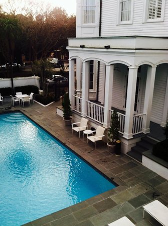 Melrose Mansion: Great pool area