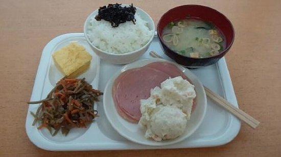 Nishitetsu Inn Tenjin : 宿泊費込みの朝ご飯。 美味しくいただきました。