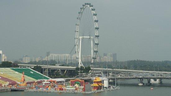 The Fullerton Hotel Singapore: Singapore Flyer