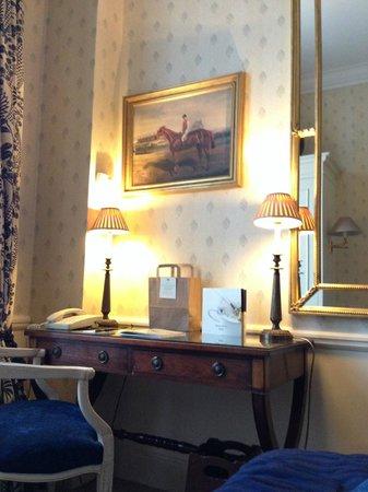 Stanhope Hotel: Skrivbordet