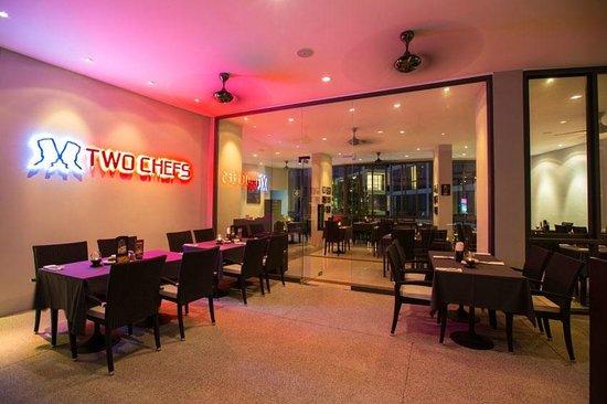 Two Chefs - Kamala Beach: Two Chefs Bar & Grill - Kamala