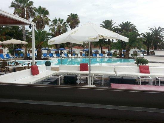 eó Suite Hotel Jardin Dorado: Pool area 2