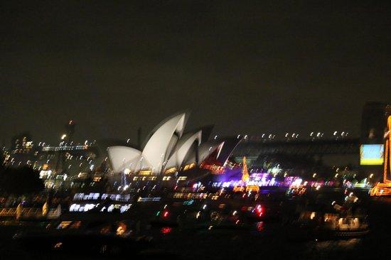 Sydney Opera House : シドニーオペラハウス夜景
