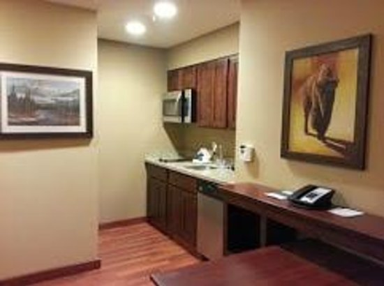 Homewood Suites by Hilton Kalispell, MT: King Studio Suite - Mini Kitchen - 3/4 Size Fridge not in picture