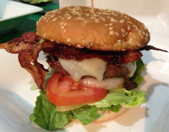 The Wet Cactus Cantina & Grill: Butter Burger