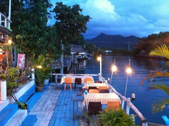 Phu -Talay: Most beautiful outdoor seat dinner ever.