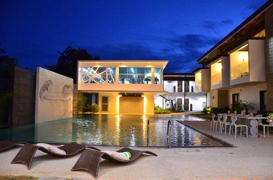 One Manalo Place Hotel