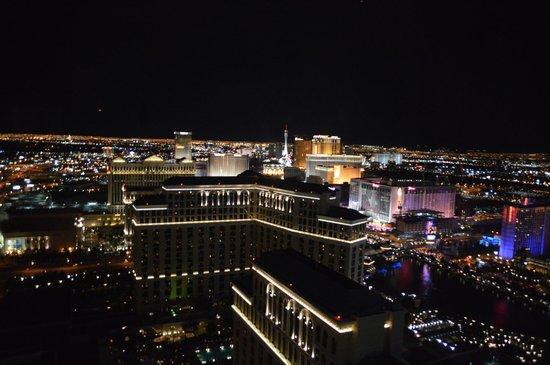 Vdara Hotel & Spa : view at night