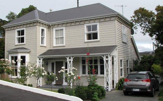 Banks House Akaroa: Building exterior
