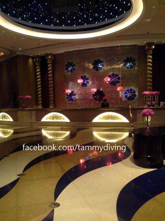 Sofitel Macau At Ponte 16 : hotel lobby at ground floor for standard room