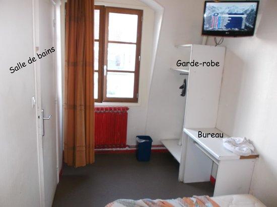 Hotel des Fontaines : La chambre