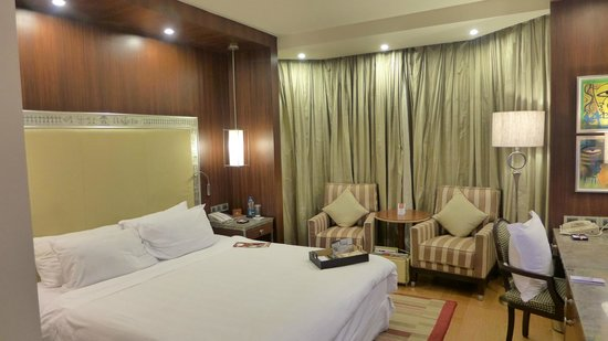 ITC Maurya, New Delhi: Nicely Lit Room