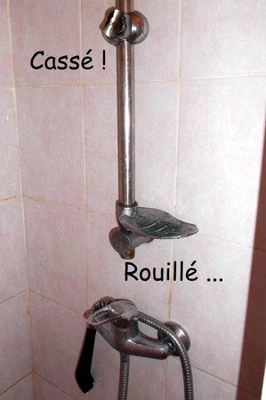 Hotel des Fontaines : Salle de bain