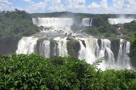 Belmond Hotel das Cataratas : The falls 3 minutes walk from the hotel