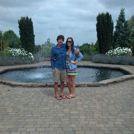 Oregon Garden Resort : In front of the gardzens