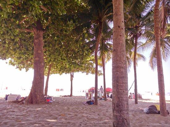 Hotel Atlantico Praia: Frente al hotel, en la playa de Copacabana