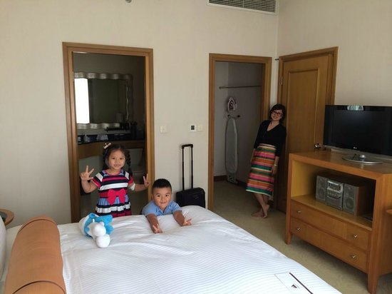 Caravelle Saigon : Junior suite room