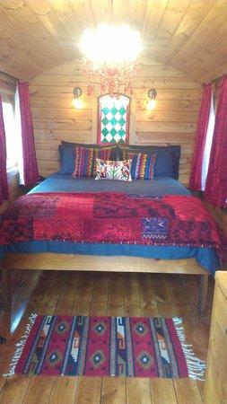 Heimat Chalets: Luxury Gypsy Wagon - interior shot