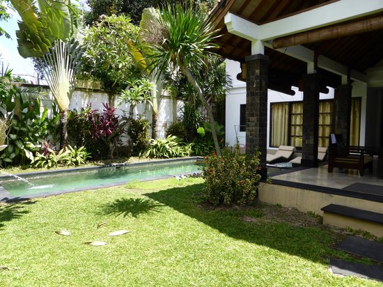 Dampati Villas: Private outside area