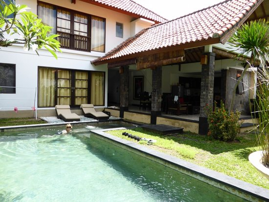 Dampati Villas: View of the bedrooms and private pool