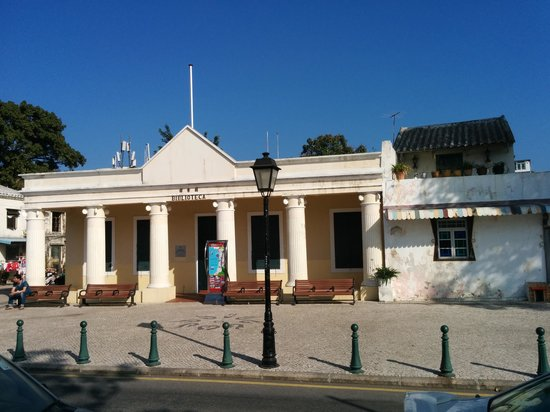Coloane : Old library