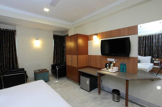 Dayal Hotel: Room Interior