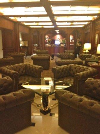 Taj Bengal Kolkata: club lounge