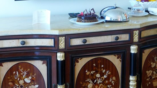 The Leela Palace New Delhi: Furniture details and special touches.