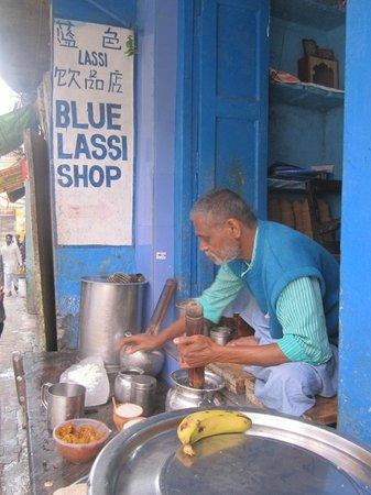 Blue Lassi: Lassi maker