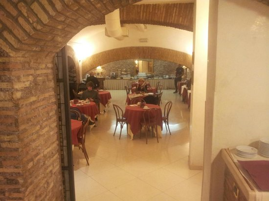 Exe Hotel Della Torre Argentina: Breakfast area