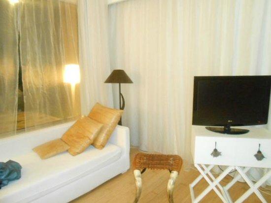 Riviera Golf Resort : Particolare della camera 25