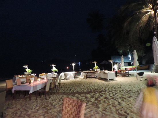 The Sunset Beach Resort & Spa, Taling Ngam: Soirée de Nouvel an sur la plage