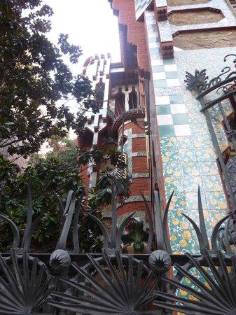 Casa Vicens: Vue  sur le côté