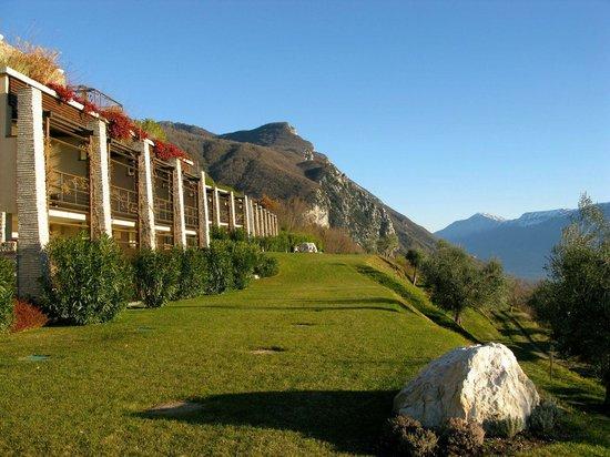 Lefay Resort & Spa Lago di Garda: Esterno hotel-vecchie limonaie