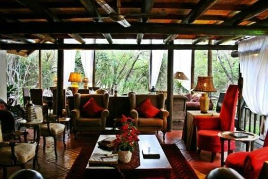 Lounge area at Maqueda Lodge