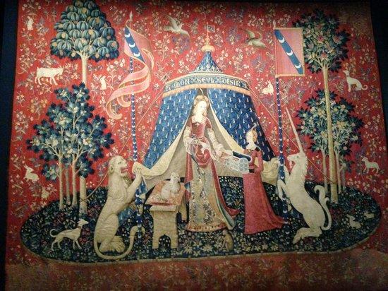 Musée de Cluny - Musée National du Moyen Âge : World Renowned Tapestries