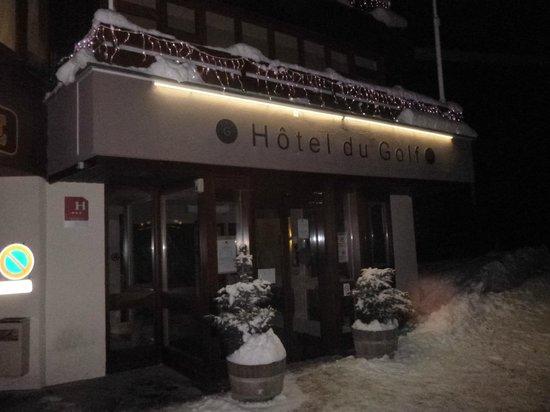 Hotel du Golf: Front