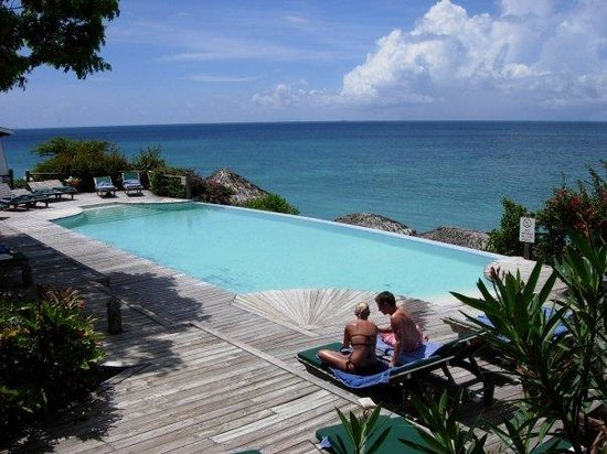 Cocobay Resort: piscina