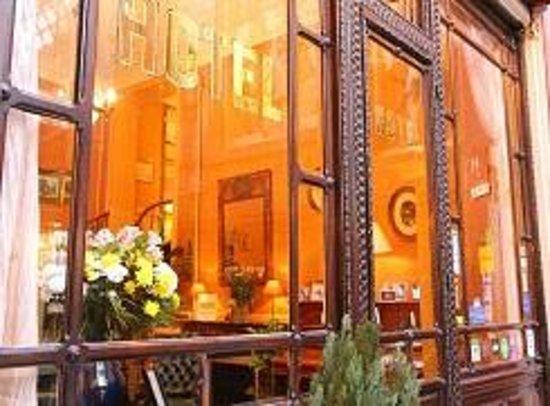 Hotel Chopin: Facade