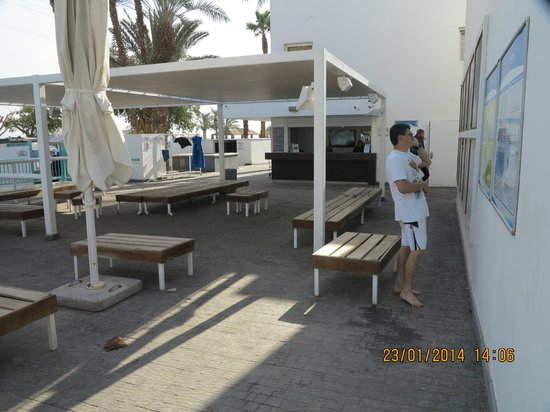 Manta Isrotel Diving Centre: The club early in the morning