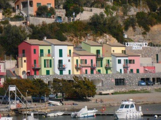 Portovenere: ..case sul mare..