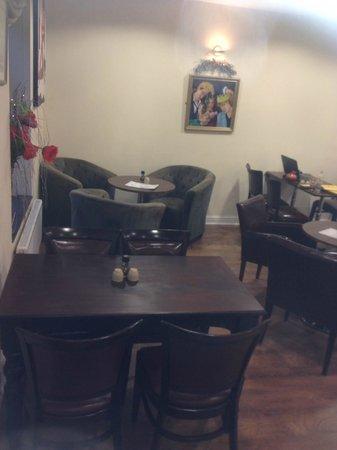 Cafe 22 : Lounge area