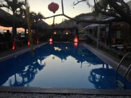 Mui Ne Hills Budget Hotel: Early evening for a sun downer
