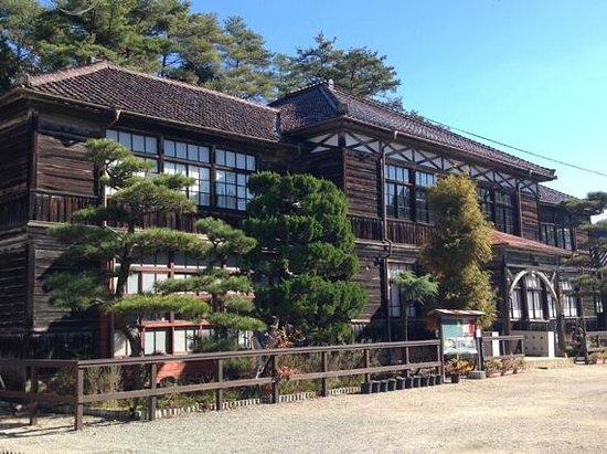 Fukiya Elementary School: 小学校外観