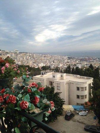 Hotel El-Djazair Ex Saint George: View from room  overlooking Algers