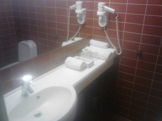 Dorpat Hotel & Convention Centre: ванная