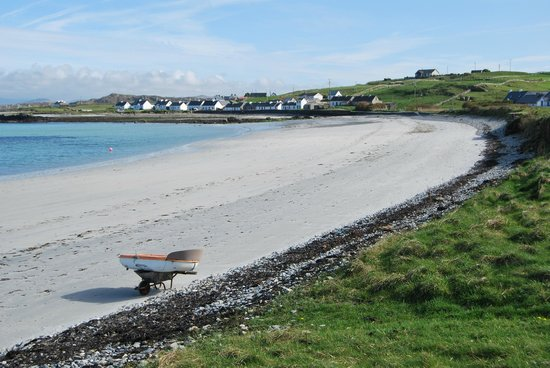 The Dolphin Hotel and Restaurant Inishbofin: East End Beach